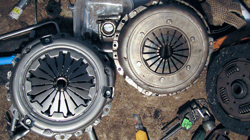 Clutch Pressure Plate – Symptoms Indicating Clutch Pressure Plate Failure